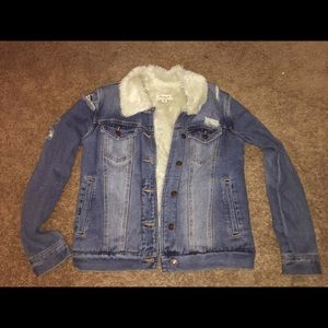 New Denim jacket with fur inside size XS